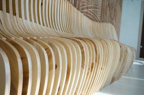 параметрическая скамейка со стеной