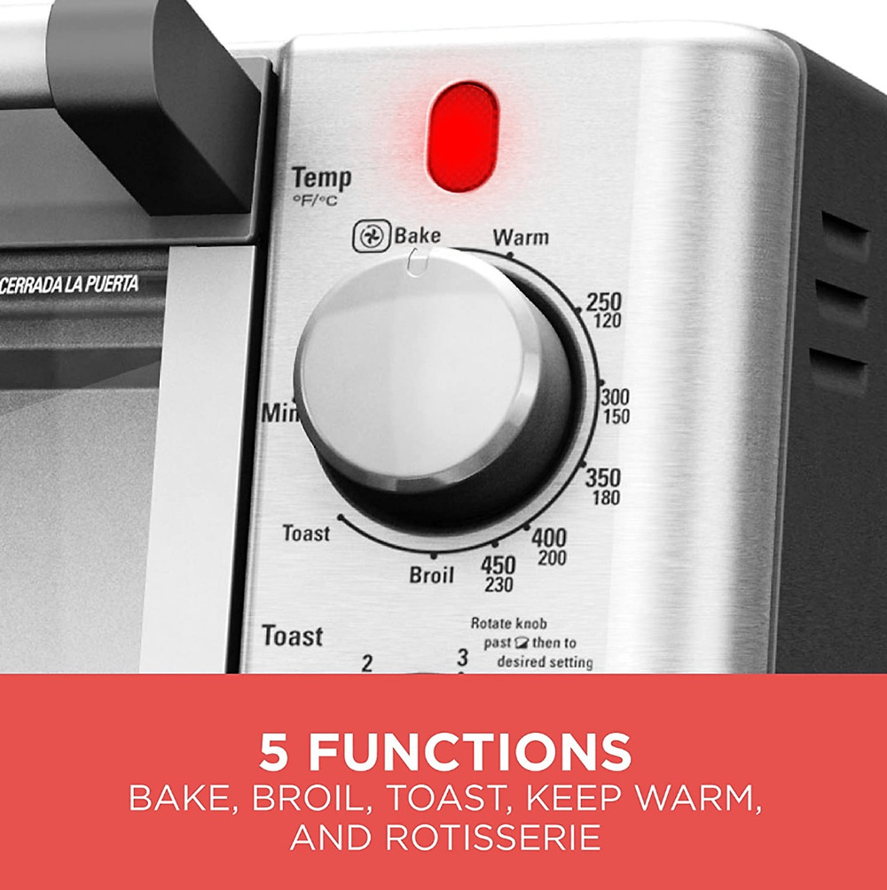 Controls on the Black+Decker WCR-076 Rotisserie Toaster Oven
