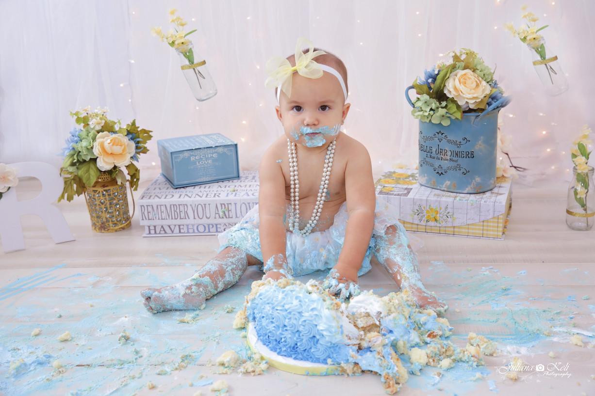 Raquel's Cake Smash {South Florida Children Photographer}