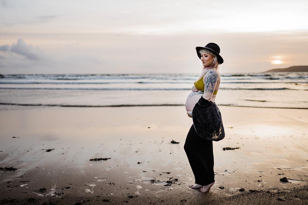 pregnant beach photo