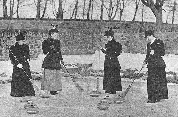 Curling Lassies