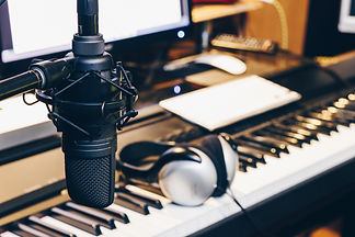 condenser microphone in music production