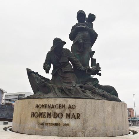 Monument aux hommes de la mer. Musée Maritime d'Ilhiavo