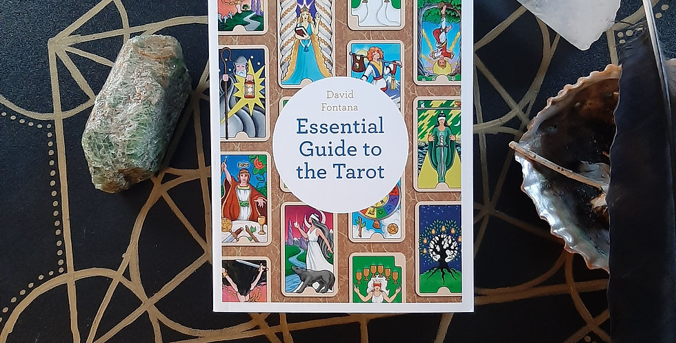The Essential Guide to the Tarot: Understanding the Major and Minor Arcana