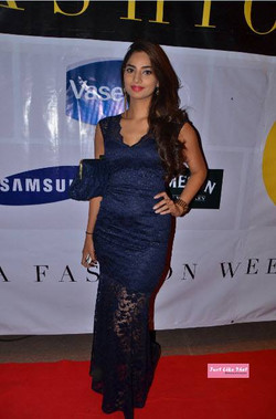 KWFW-RED CARPET