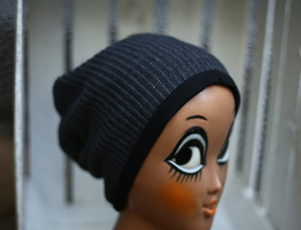 Haube knitted anthrazit
