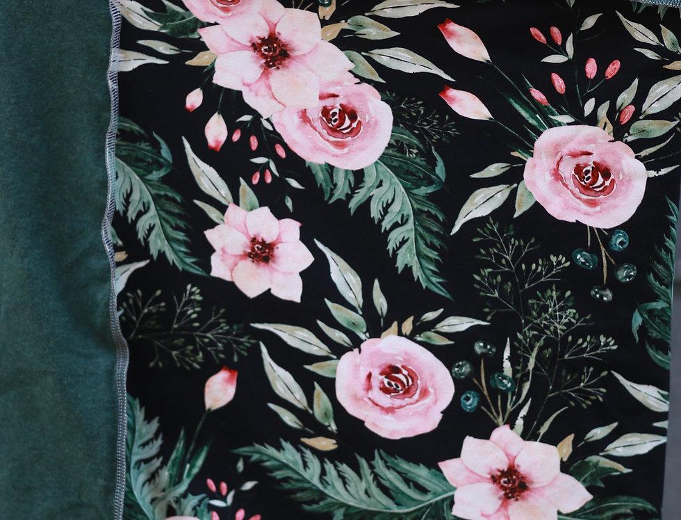 Hüftschal roses on black