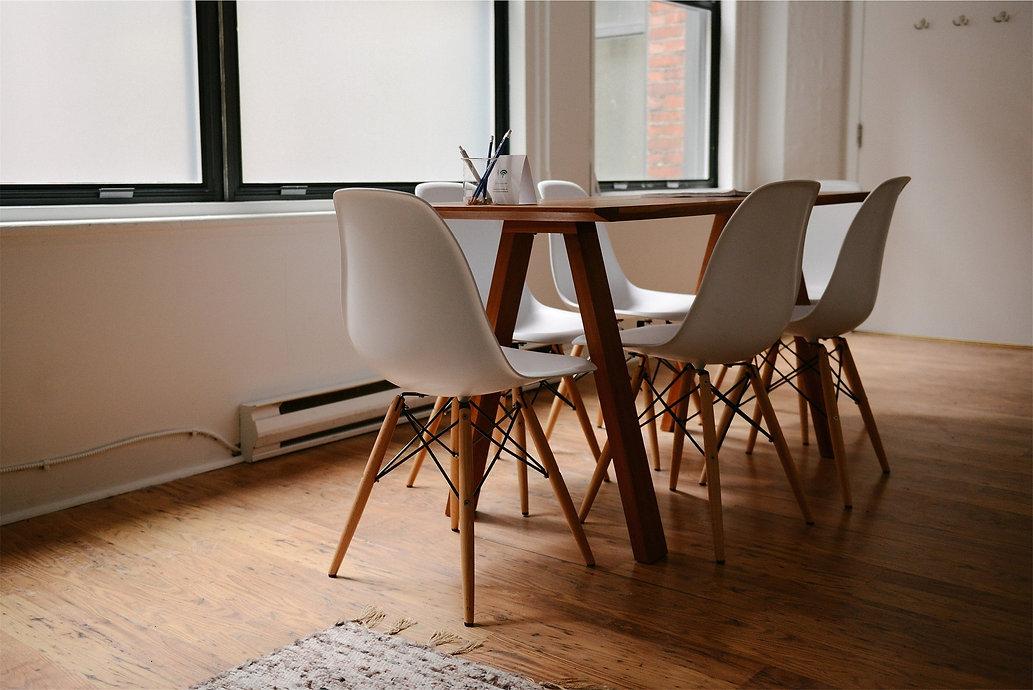 table-629772_1920.jpg