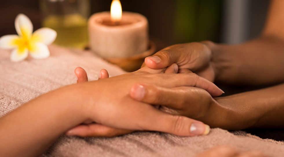 manicure-treatment-at-luxury-spa-LYRBKXS