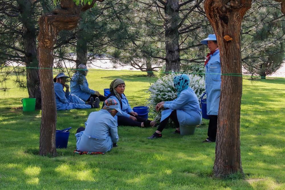 Rastende Park-Arbeiterinnen