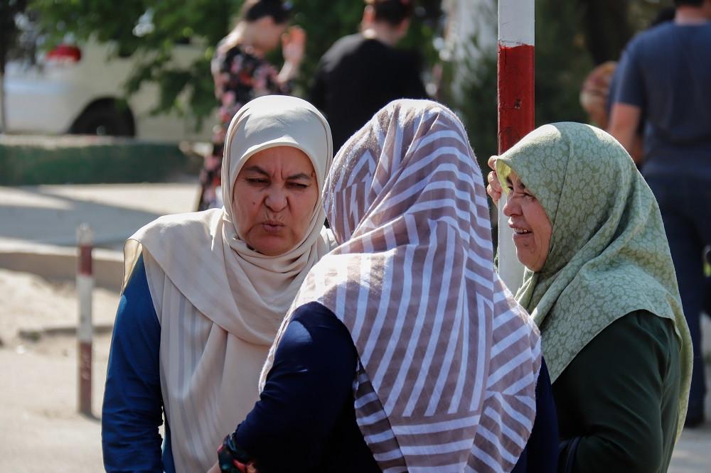 drei Frauen am Markt