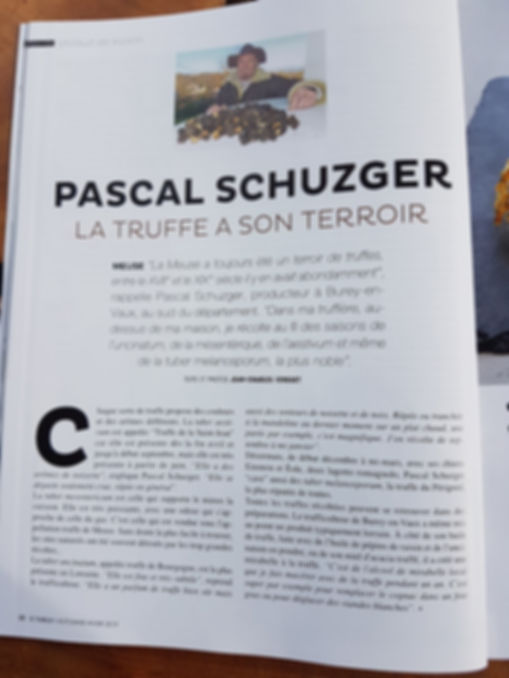 Latruffachuchu-magazine-a-table.jpg