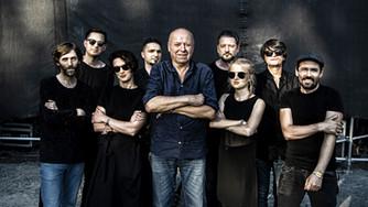 Hudba Praha vydává po devíti letech novou řadovku. Michal Ambrož v ní navazuje na náladu slavného de