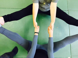 Your Recipe for a Partner Yoga Workshop