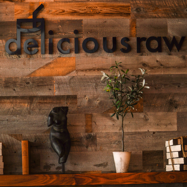 """Everyone Eats"" at Delicious Raw"