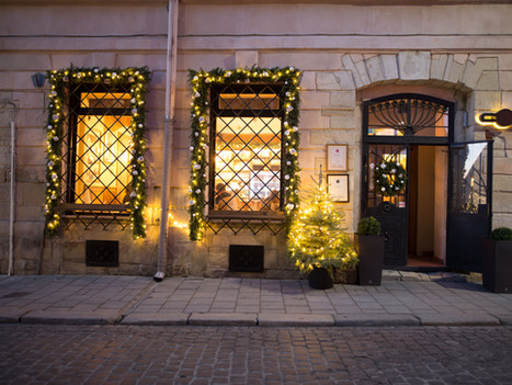 Christmas cheer for larger stores boost real estate prospects in central Athens