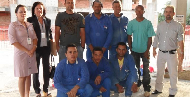 Borges Landeiro cria programa de alfabetização no canteiro de obras