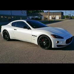 Pearl White Maserati Gran Turismo