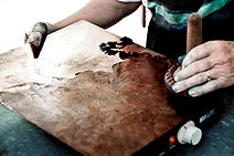 Ilse applying intaglio ink to the copper plate