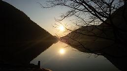 tramonto lago del Segrino.jpg
