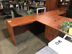 Pre-owned OTG L-desk 60x65