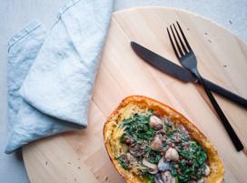Spaghettipompoen met champignon, spinazie en linzen
