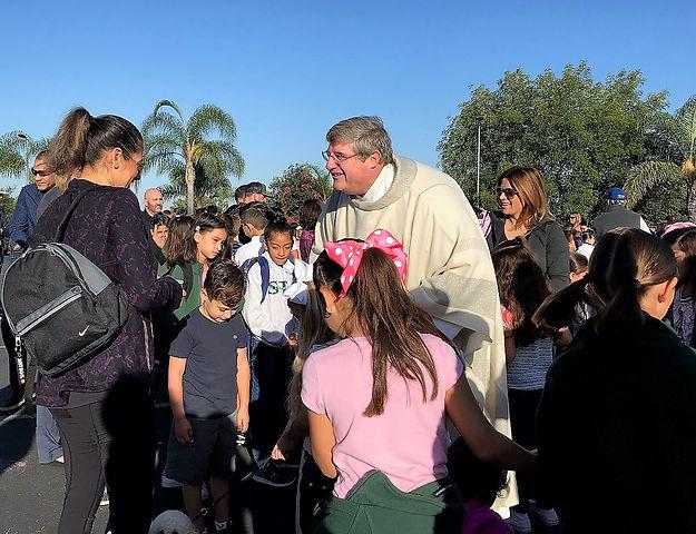 pastor-bosque-welcoming-families.jpg