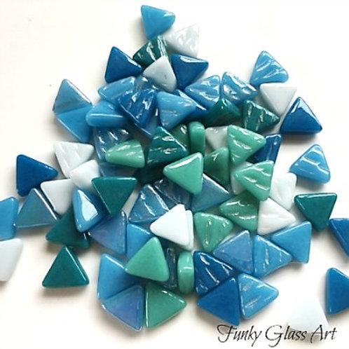 Glass Triangles 10mm - Aquenos Mix