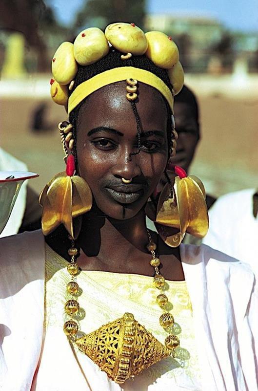 Gold Jewelry: Not a New Fashion Phenomenon