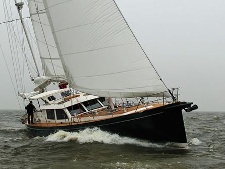 Heyman Yachts - AtoA 64'