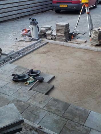 betonnen bestrating.jpeg