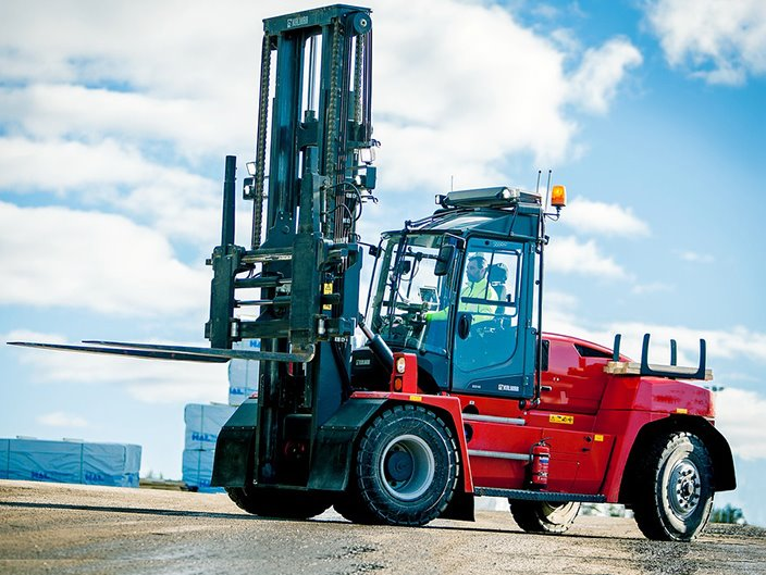 image_equipment_forklifts_dcg90_180_2014