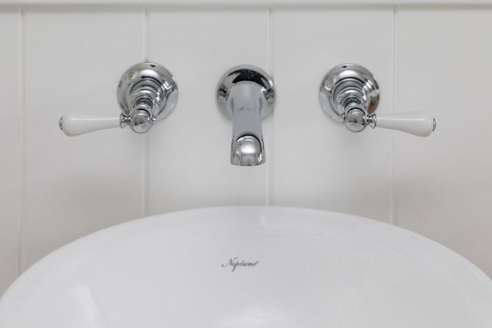 bathroom marlborough.jpg