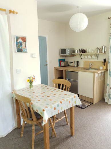Tablespace & kitchenette