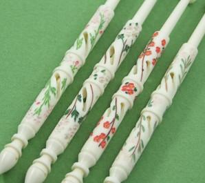 Blossoms Set by A R Archer Ltd - Finest Quality Bone Lace Bobbins