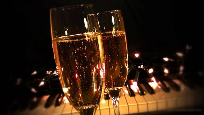 BLACK FRIDAY Piano & Champagne Soirée 24.11.17 -  18-20h