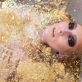 Glitter Babe with Monroenixx