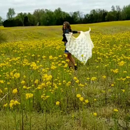 🌼🌼Sneak peek video of my niece's part 4 senior session. ❤❤🌼  With- @jada peyton