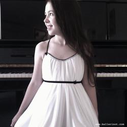 שמלת בת מצווה לבנה ספגטי