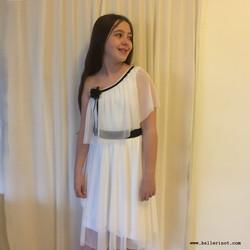 שמלת בת מצווה לבנה עם כתף חשופה