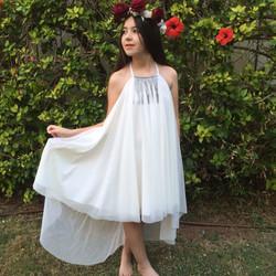 שמלת בת מצווה משיפון עם שובל ותכשיט