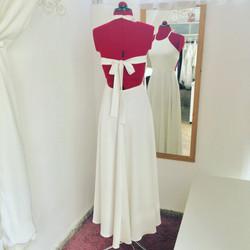 שמלת בת מצווה לבנה ארוכה עם פרפר בגב
