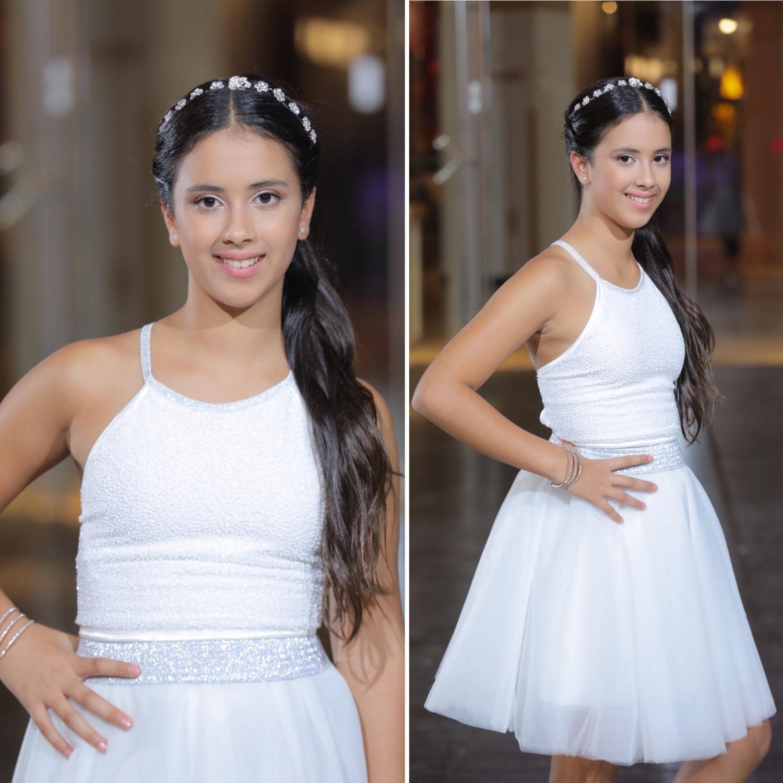 חצאית טוטו לבנה וטופ קשירות בגב