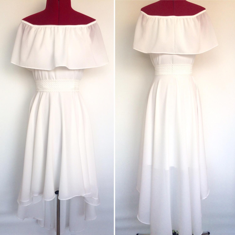 שמלת בת מצווה לבנה עם כתפיים חשופות