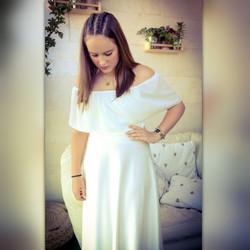 שמלת בת מצווה עם כתפיים חשופות