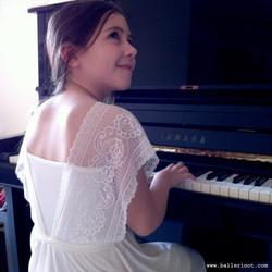 שמלת בת מצווה נסיכה לבנה