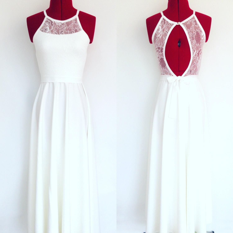שמלת בת מצווה לבנה ארוכה עם גב מתחרה