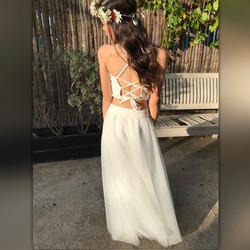 חצאית טוטו לבנה ארוכה וגופית קשירות