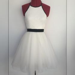 שמלת טוטו לבנה קולר גב חשוף