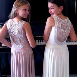 שמלת בת מצווה ונוס פודרה ולבנה